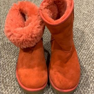 UGGS  - Authentic Coral Classic Short Boot